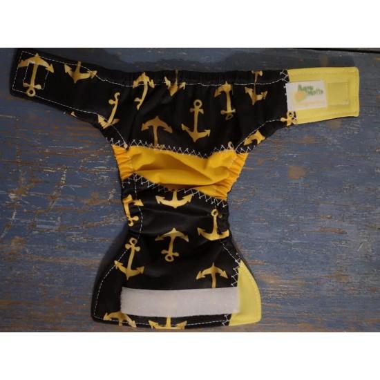 Couche pour poupée ancres dorées